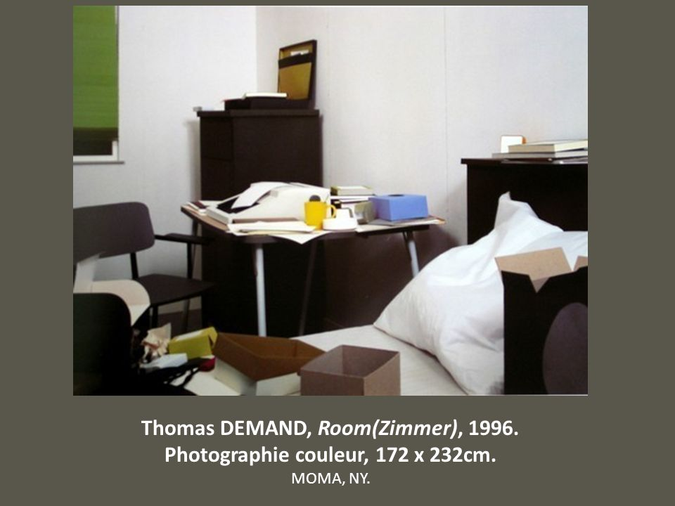 Thomas DEMAND, Room(Zimmer), Photographie couleur, 172 x 232cm.