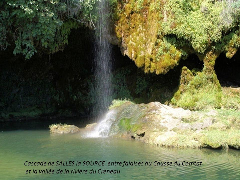 Cascade de SALLES la SOURCE entre falaises du Causse du Comtat