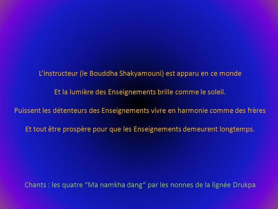 L'instructeur (le Bouddha Shakyamouni) est apparu en ce monde