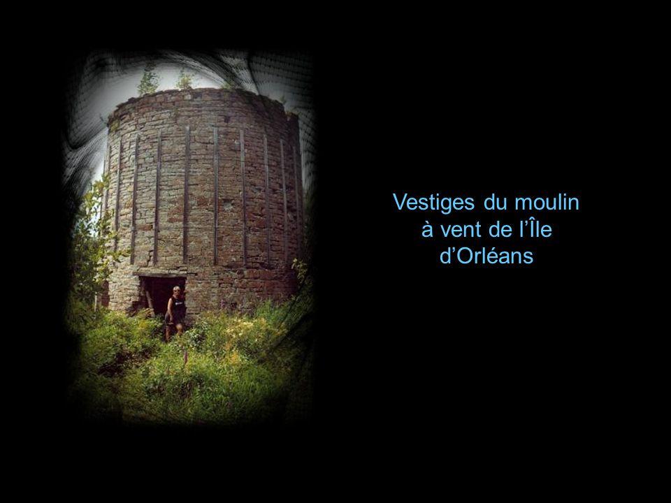 Vestiges du moulin à vent de l'Île d'Orléans