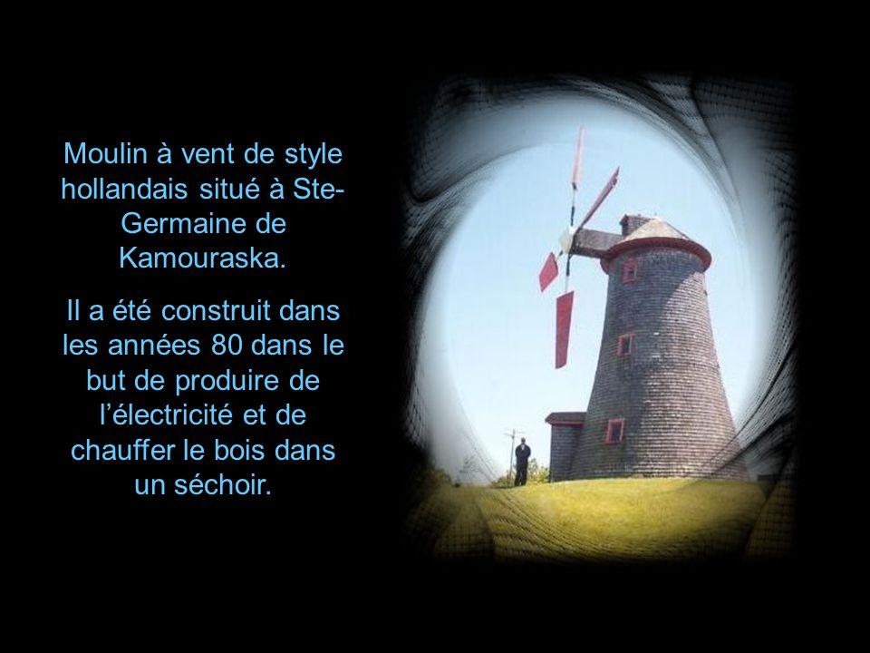 Moulin à vent de style hollandais situé à Ste-Germaine de Kamouraska.