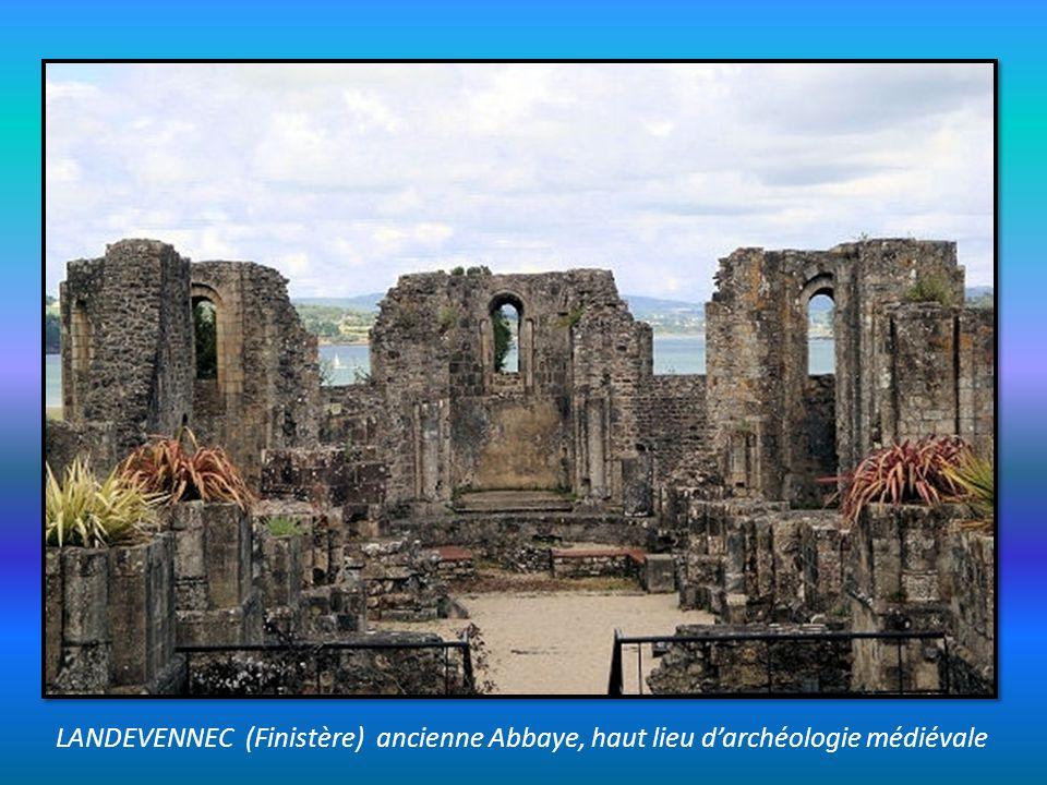LANDEVENNEC (Finistère) ancienne Abbaye, haut lieu d'archéologie médiévale