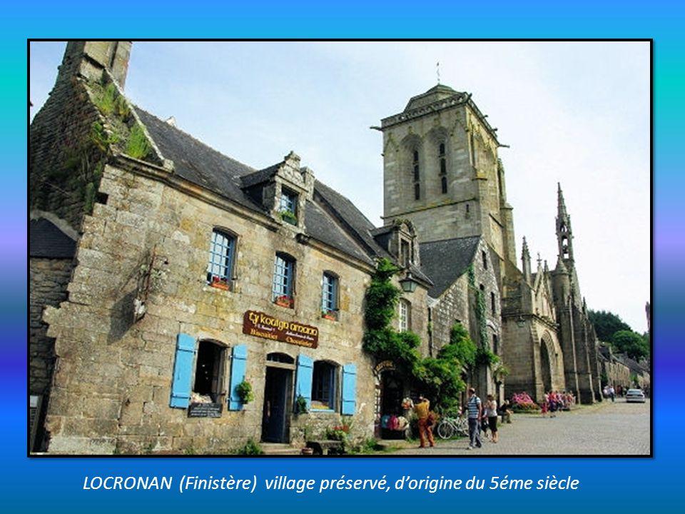 LOCRONAN (Finistère) village préservé, d'origine du 5éme siècle