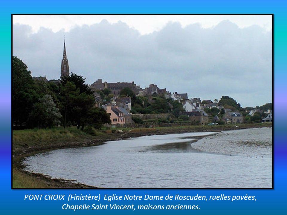 PONT CROIX (Finistère) Eglise Notre Dame de Roscuden, ruelles pavées,