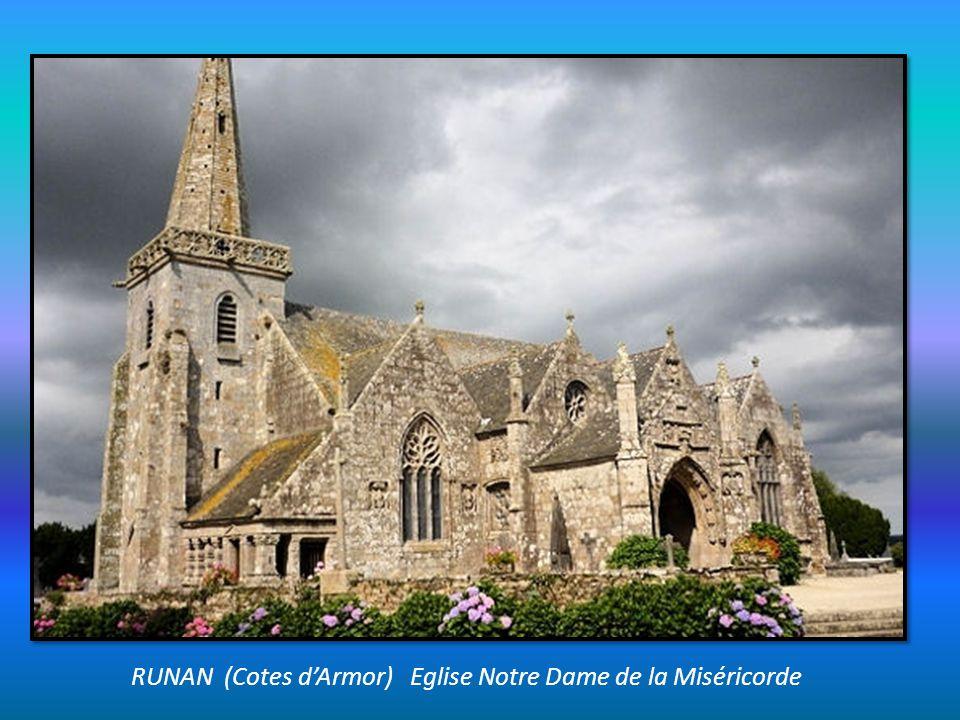 RUNAN (Cotes d'Armor) Eglise Notre Dame de la Miséricorde