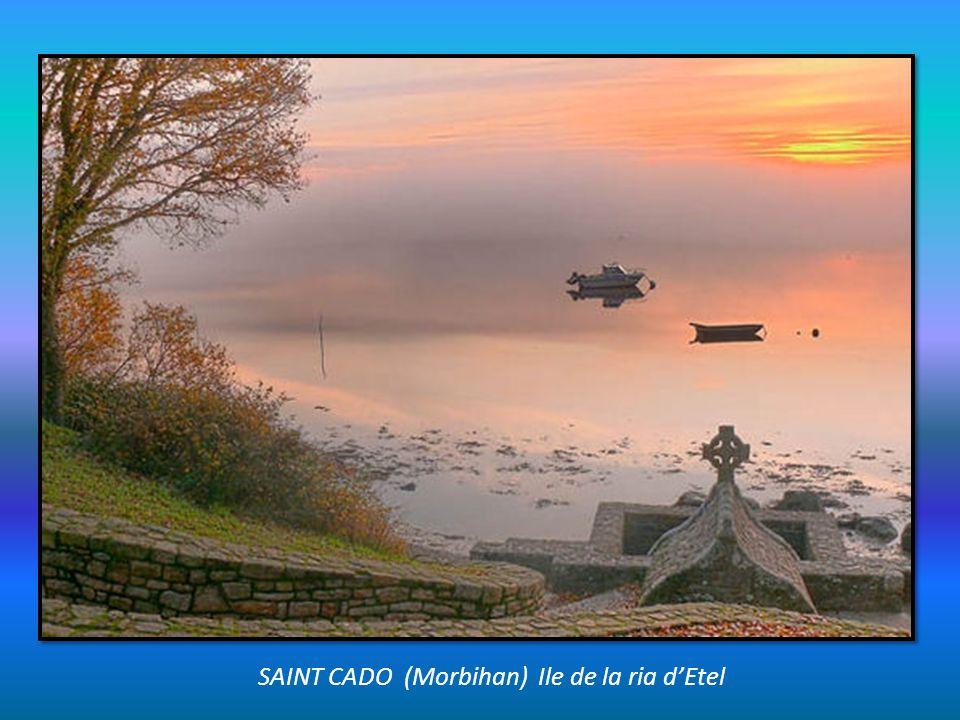 SAINT CADO (Morbihan) Ile de la ria d'Etel