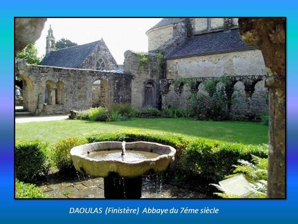 DAOULAS (Finistère) Abbaye du 7éme siècle
