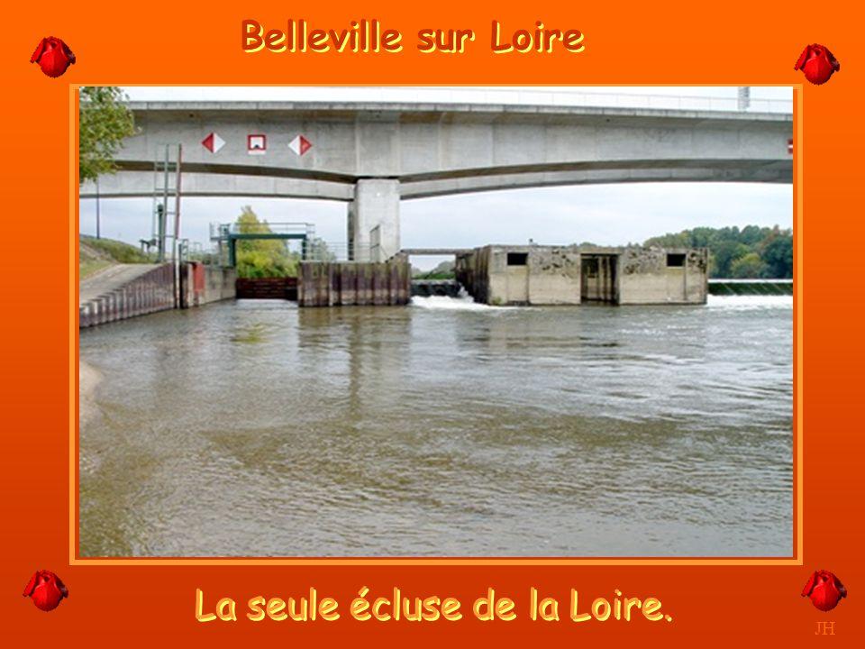 La seule écluse de la Loire.