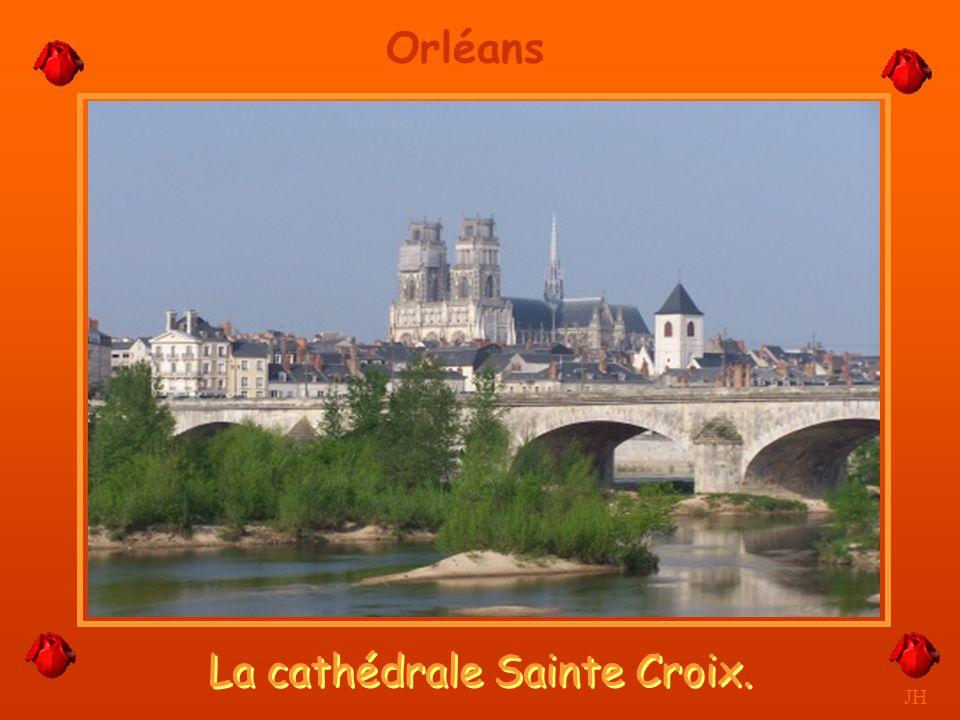 La cathédrale Sainte Croix.