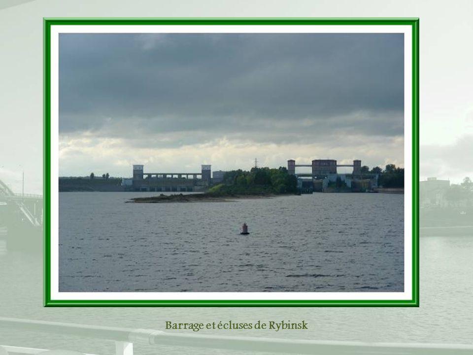 Barrage et écluses de Rybinsk