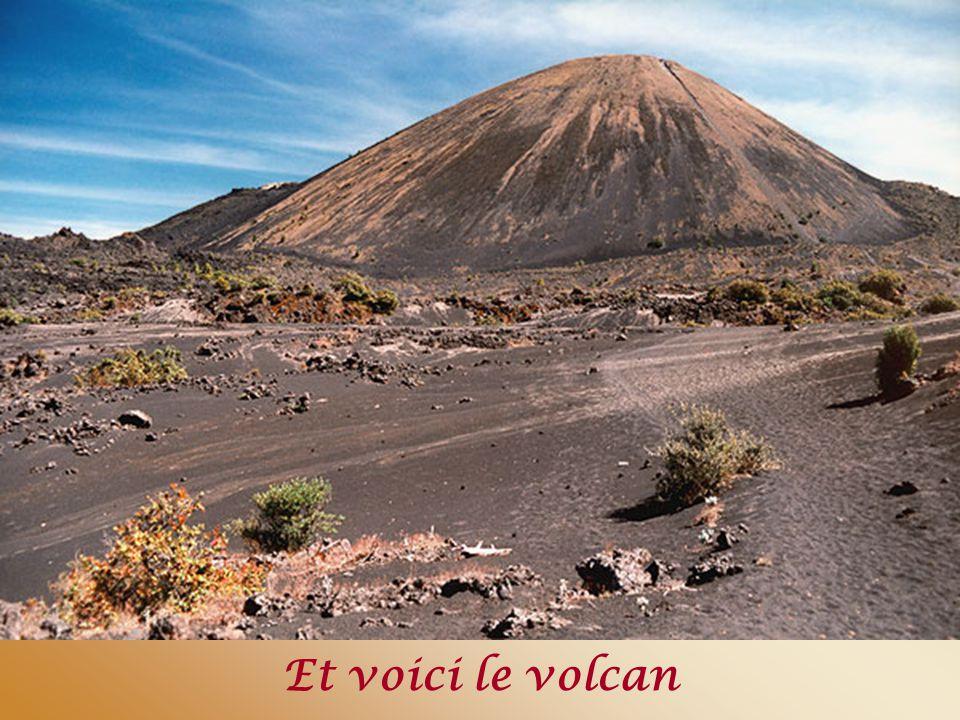 Et voici le volcan