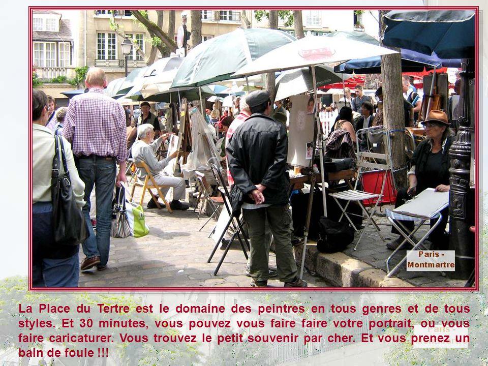 La Place du Tertre est le domaine des peintres en tous genres et de tous styles.