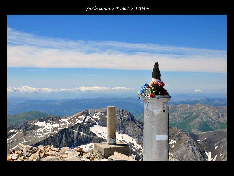 Sur le toit des Pyrénées 3404m