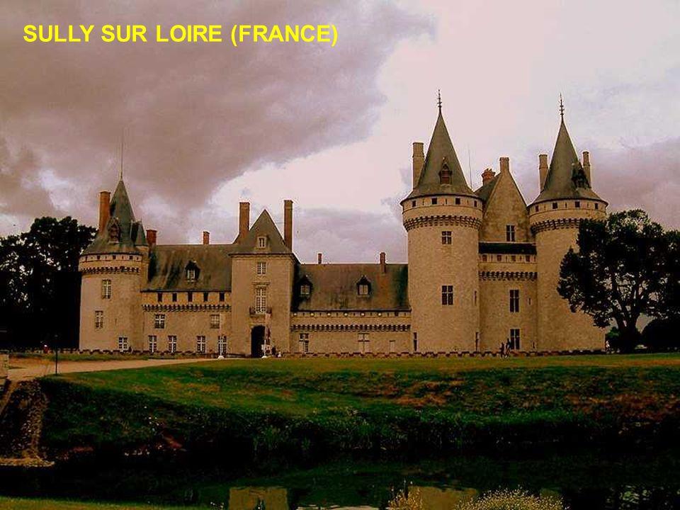 SULLY SUR LOIRE (FRANCE)