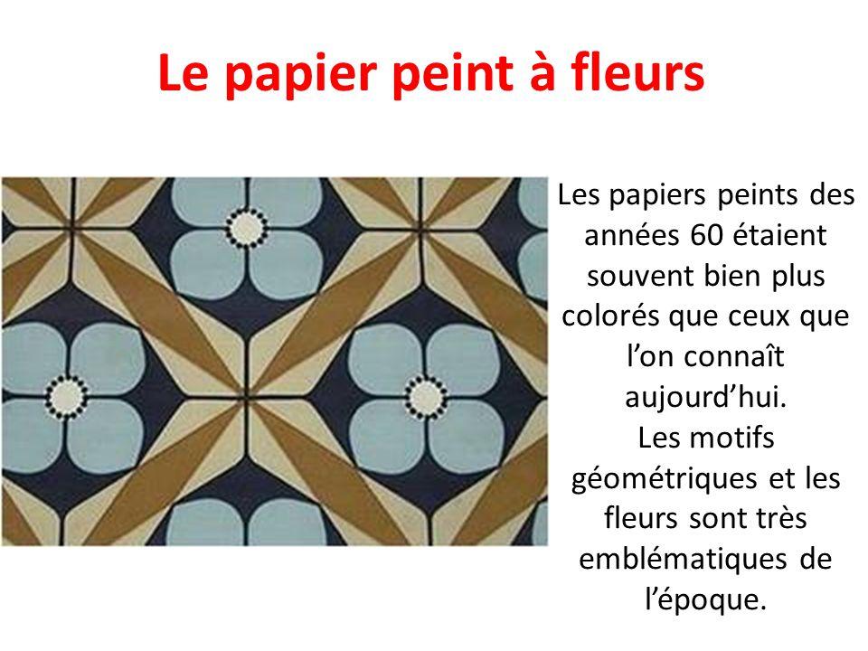 Le papier peint à fleurs