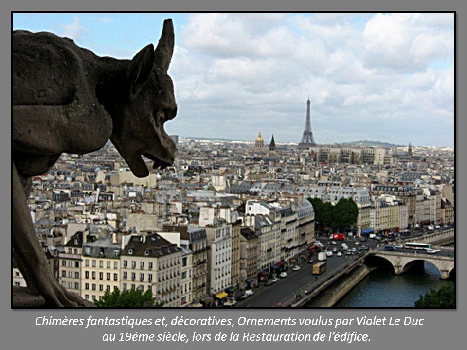 Chimères fantastiques et, décoratives, Ornements voulus par Violet Le Duc