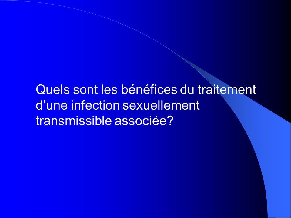 Quels sont les bénéfices du traitement d'une infection sexuellement transmissible associée