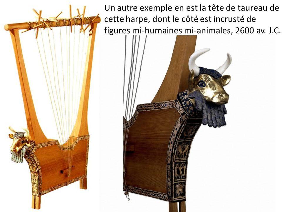 Un autre exemple en est la tête de taureau de cette harpe, dont le côté est incrusté de figures mi-humaines mi-animales, 2600 av.