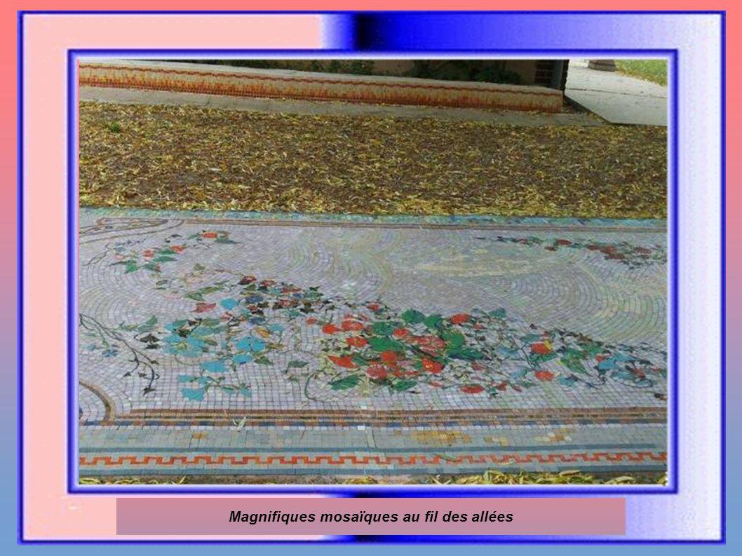 Magnifiques mosaïques au fil des allées