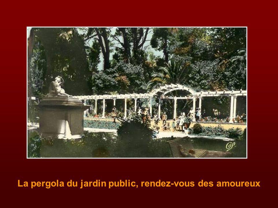 La pergola du jardin public, rendez-vous des amoureux