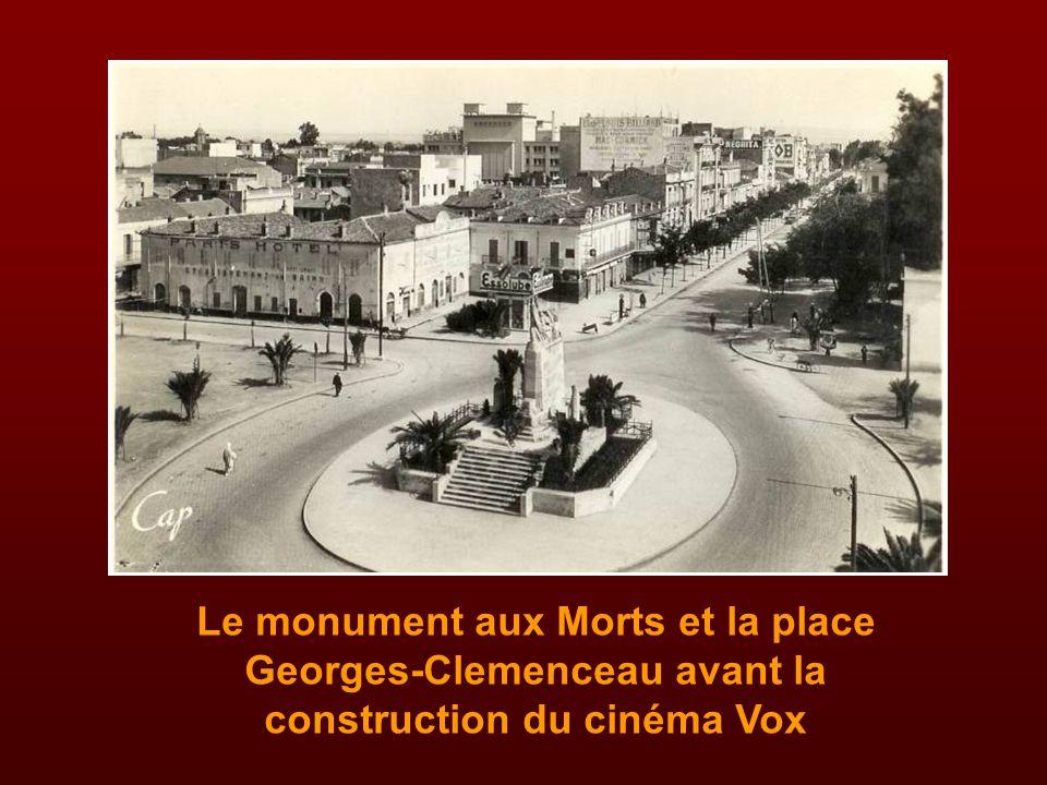 Le monument aux Morts et la place Georges-Clemenceau avant la construction du cinéma Vox