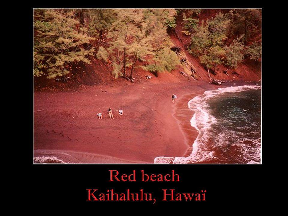 Red beach Kaihalulu, Hawaï
