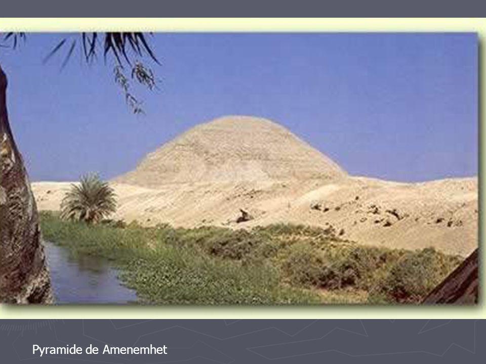 Pyramide de Amenemhet