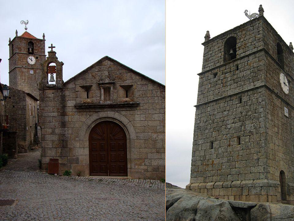 Entre les maisons domine la Tour de Lucano (XIVe siècle), couronnée par un coq en argent, trophée attribué à Monsanto dans un concours national célébré en 1938, dans lequel