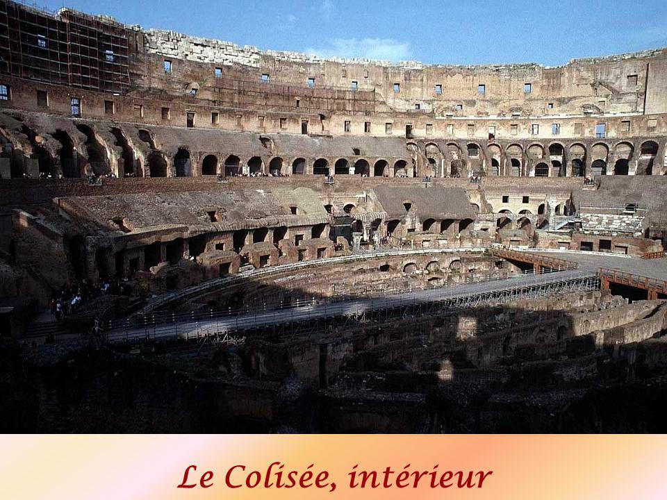 Le Colisée, intérieur