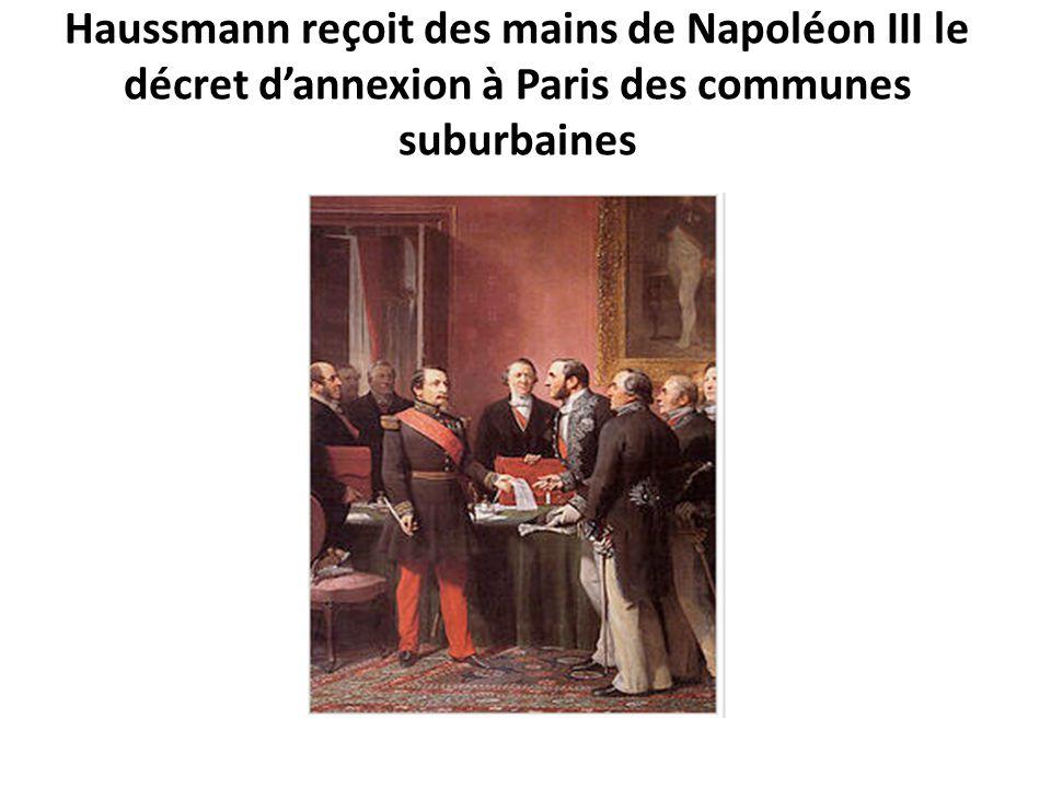 Haussmann reçoit des mains de Napoléon III le décret d'annexion à Paris des communes suburbaines