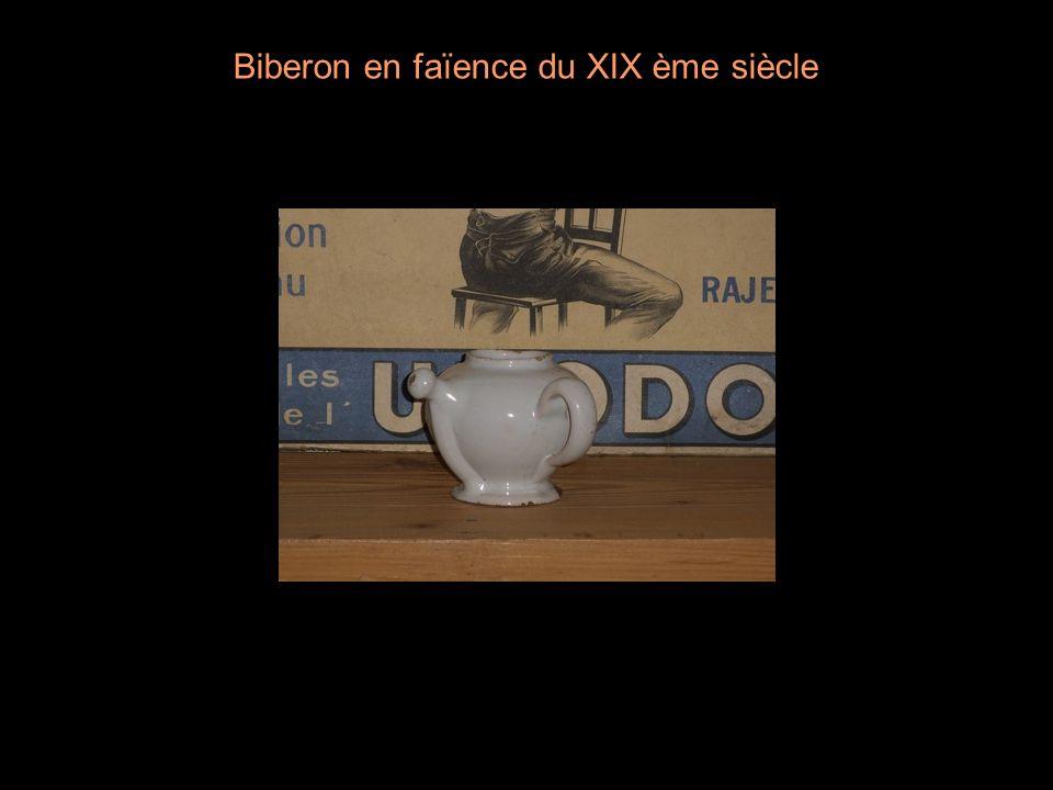 Biberon en faïence du XIX ème siècle