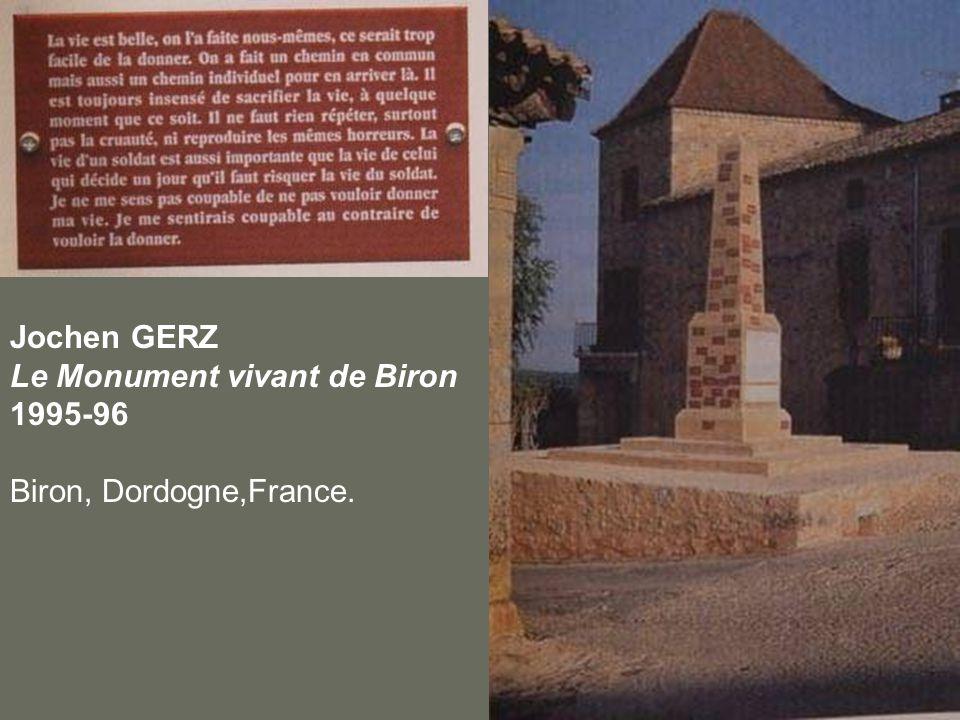 Jochen GERZ Le Monument vivant de Biron 1995-96 Biron, Dordogne,France.