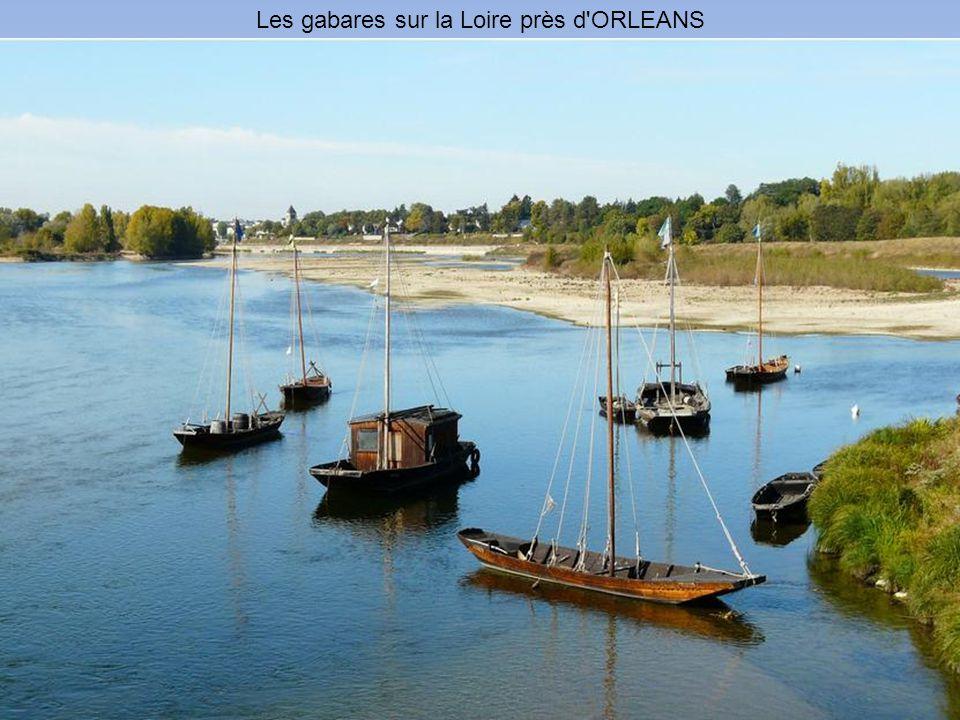 Les gabares sur la Loire près d ORLEANS