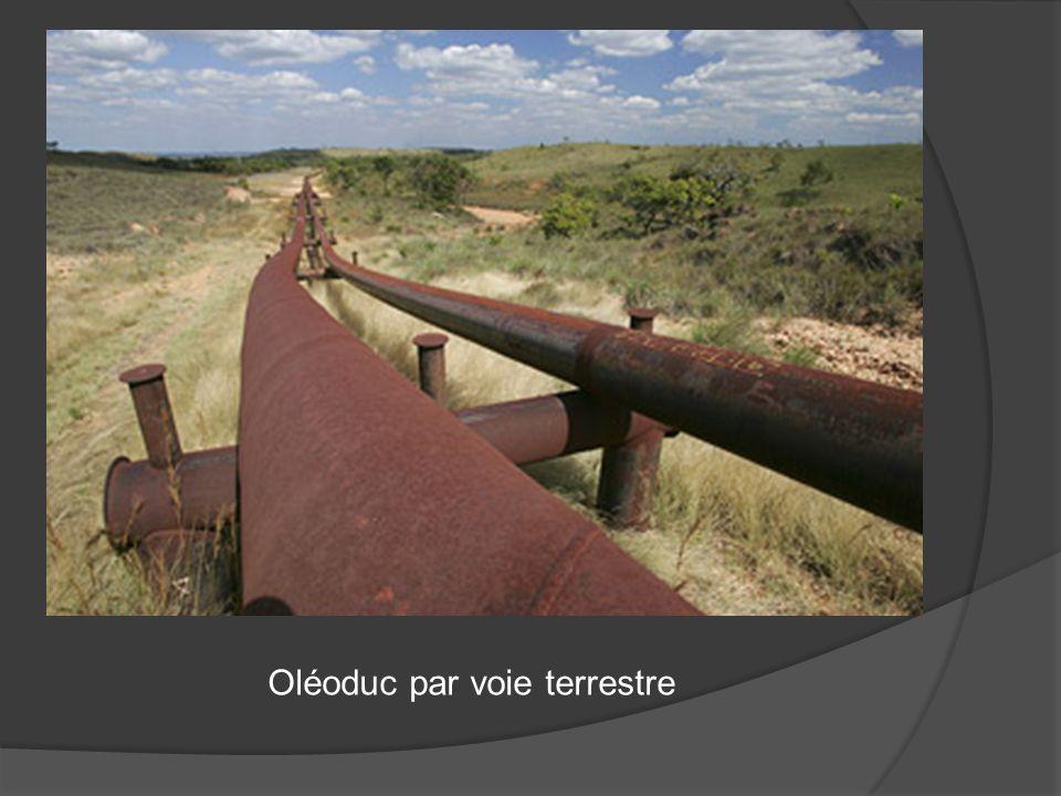 Oléoduc par voie terrestre