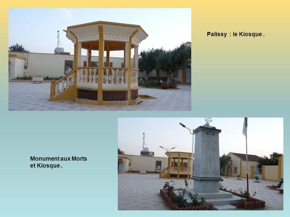 Palissy : le Kiosque . Monument aux Morts et Kiosque .