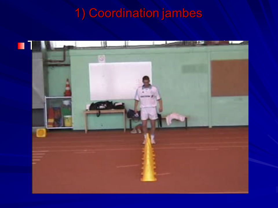 1) Coordination jambes Travail avec plots (type « skipping »)