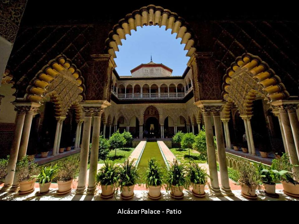 Alcázar Palace - Patio