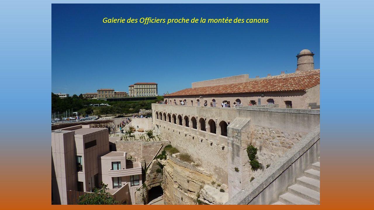 Galerie des Officiers proche de la montée des canons