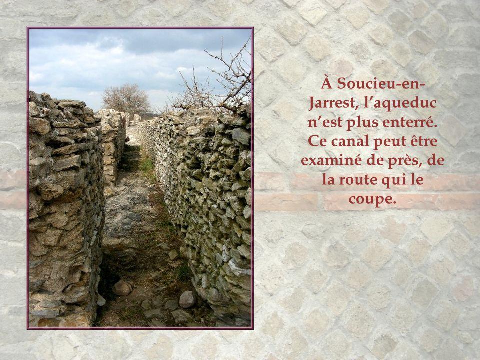 À Soucieu-en-Jarrest, l'aqueduc n'est plus enterré