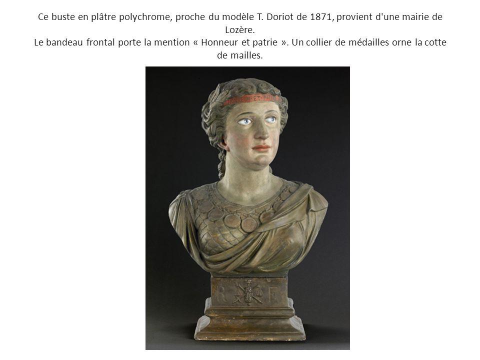 Ce buste en plâtre polychrome, proche du modèle T