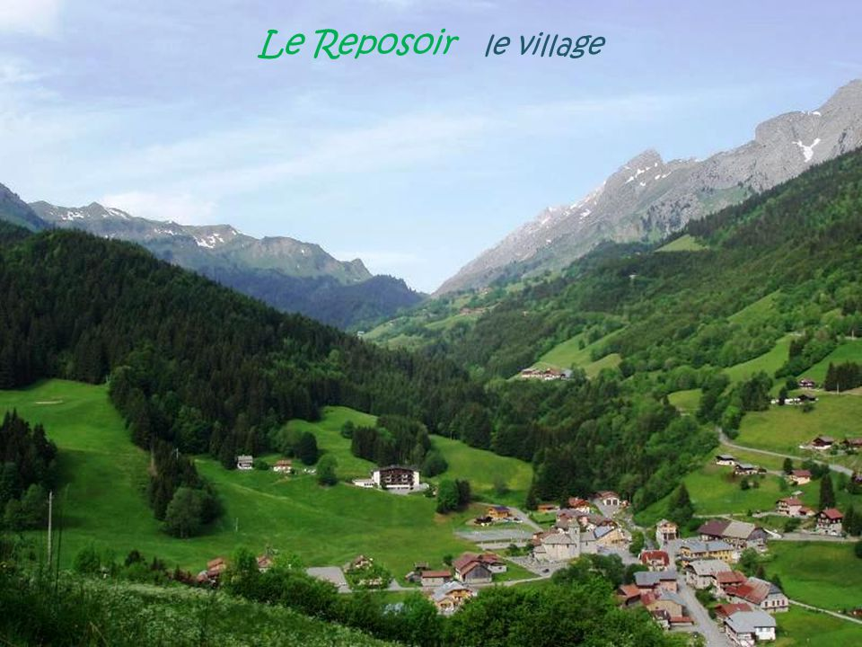 Le Reposoir le village
