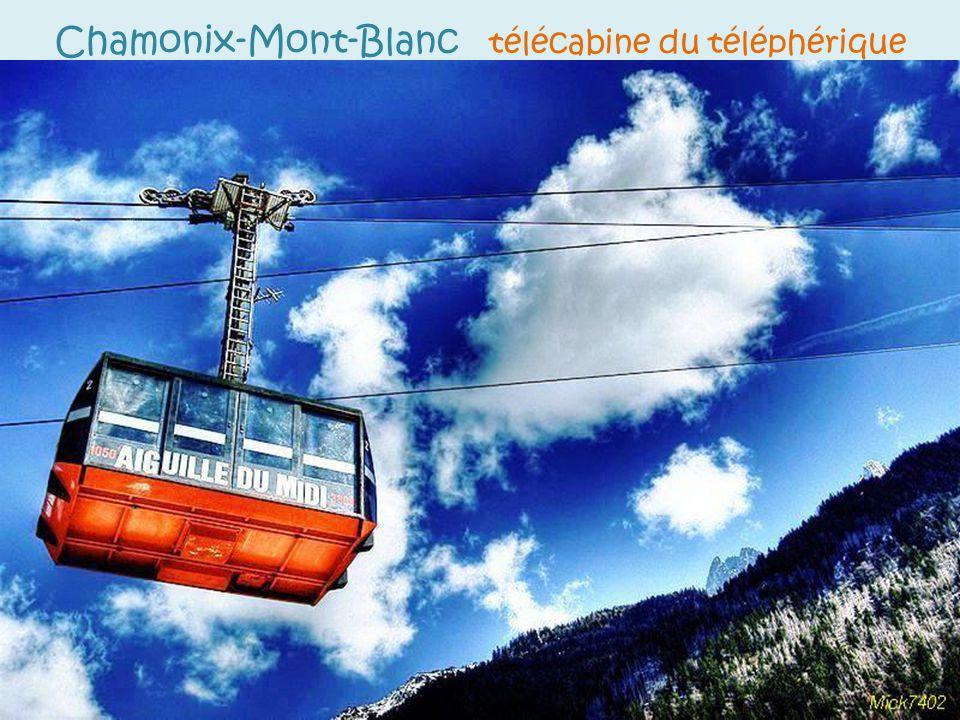 Chamonix-Mont-Blanc télécabine du téléphérique