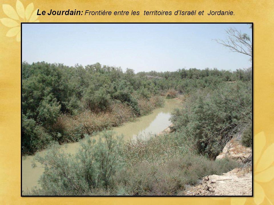 Le Jourdain: Frontière entre les territoires d'Israël et Jordanie.