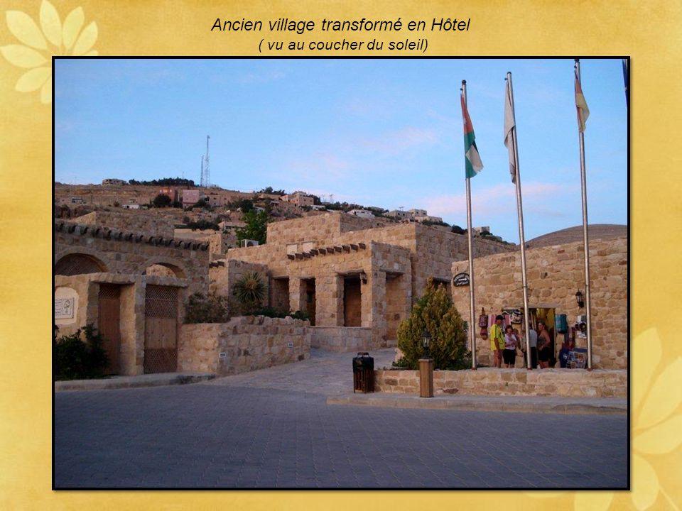 Ancien village transformé en Hôtel