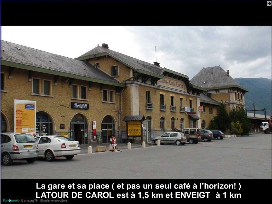 La gare et sa place ( et pas un seul café à l horizon! )