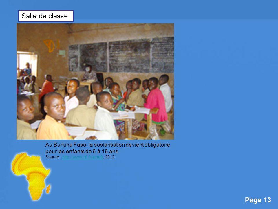 Salle de classe. Au Burkina Faso, la scolarisation devient obligatoire pour les enfants de 6 à 16 ans.