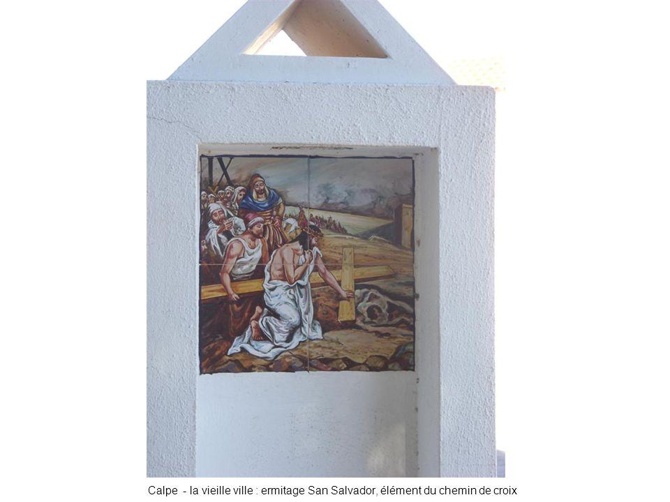 Calpe - la vieille ville : ermitage San Salvador, élément du chemin de croix
