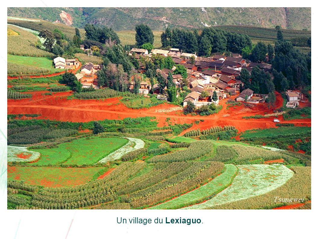 Un village du Lexiaguo.