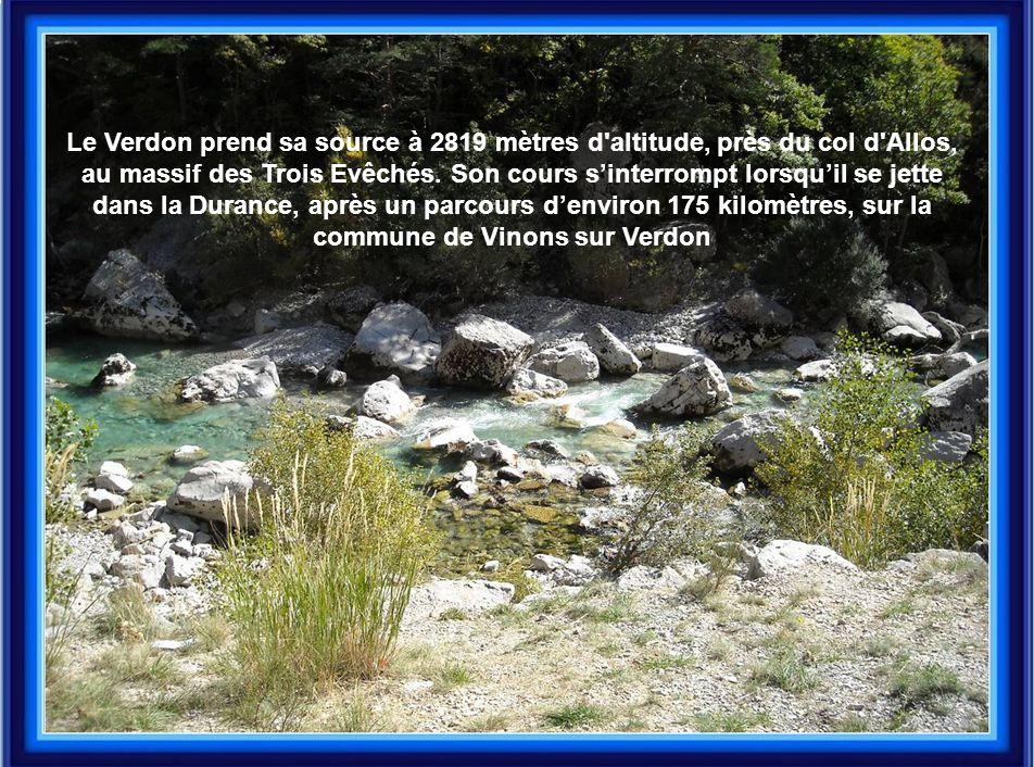 Le Verdon prend sa source à 2819 mètres d altitude, près du col d Allos,