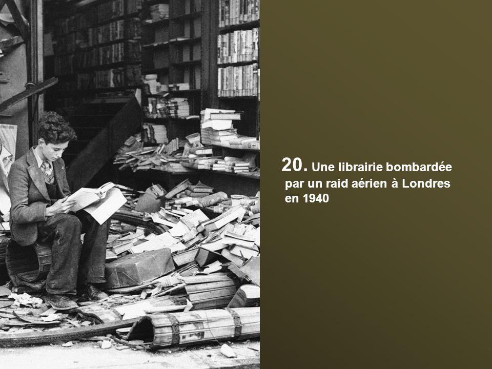 20. Une librairie bombardée